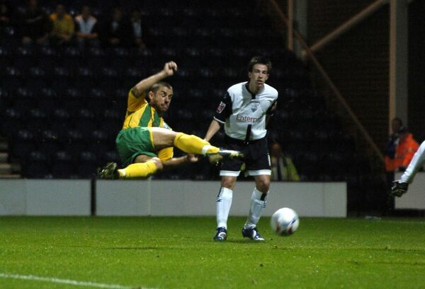 Kevin Phillips in acrobatic action