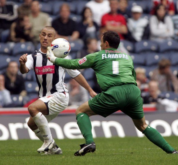 Kevin Phillips bears down on goal