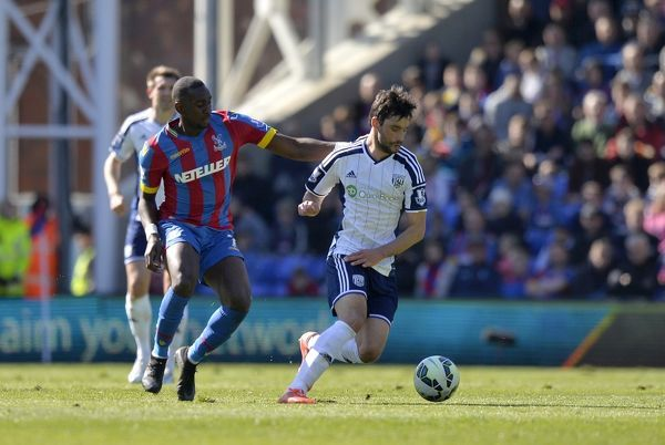 Yannick Bolasie of Crystal Palace & Claudio Yacob of West Bromwich Albion