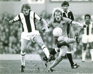 Gary Owen tangles with Andy Gray