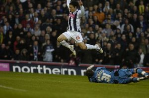 Koren leaps over the Wolves 'keeper