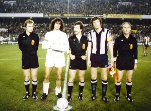 Mario Kempes & John Wile before the UEFA Cup tie in Valencia