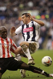 Paul Robinson evades a tackle