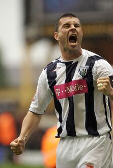 Paul Robinson rallies the Albion fans