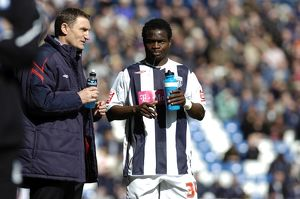 Sodje gets instructions from Tony Mowbray