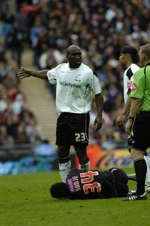 Sodje goes down injured