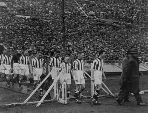 Tommy Glidden leads the team out at Wembley