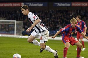 Zoltan Gera leaves the Palace defence trailing